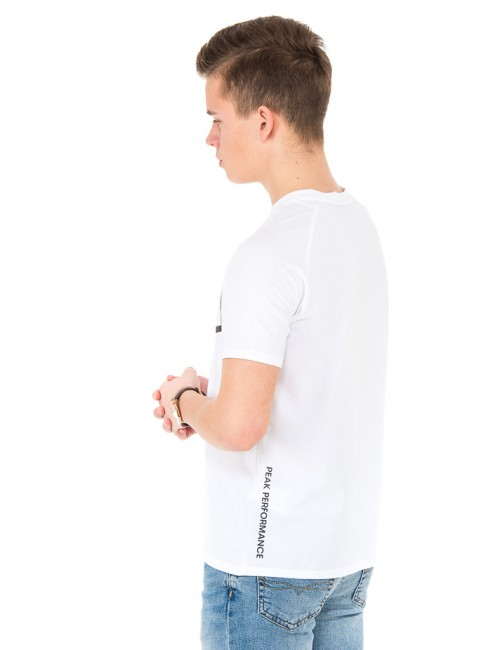 Om Peak Performance barnkläder - JR TEC TEE
