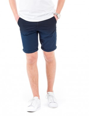Lightweight chino short with washing